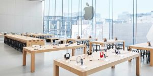 Apple Will Be Taking Time to Arrive in Stores